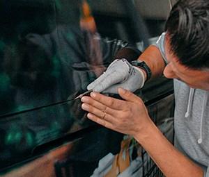Montage einer Car Wrapping Folie